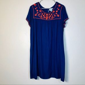 Old Navy Dresses - Old navy embroidered dress Sz XL